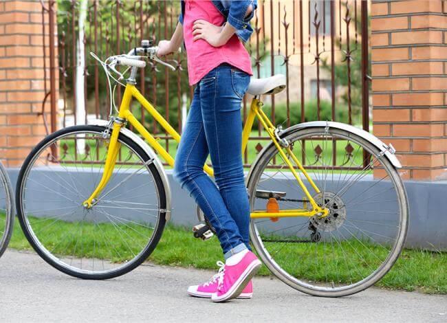 Δυνατοί σε Όλο το Σώμα Κάνοντας Ποδήλατο